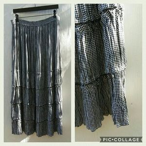 Gingham tiered skirt, like new